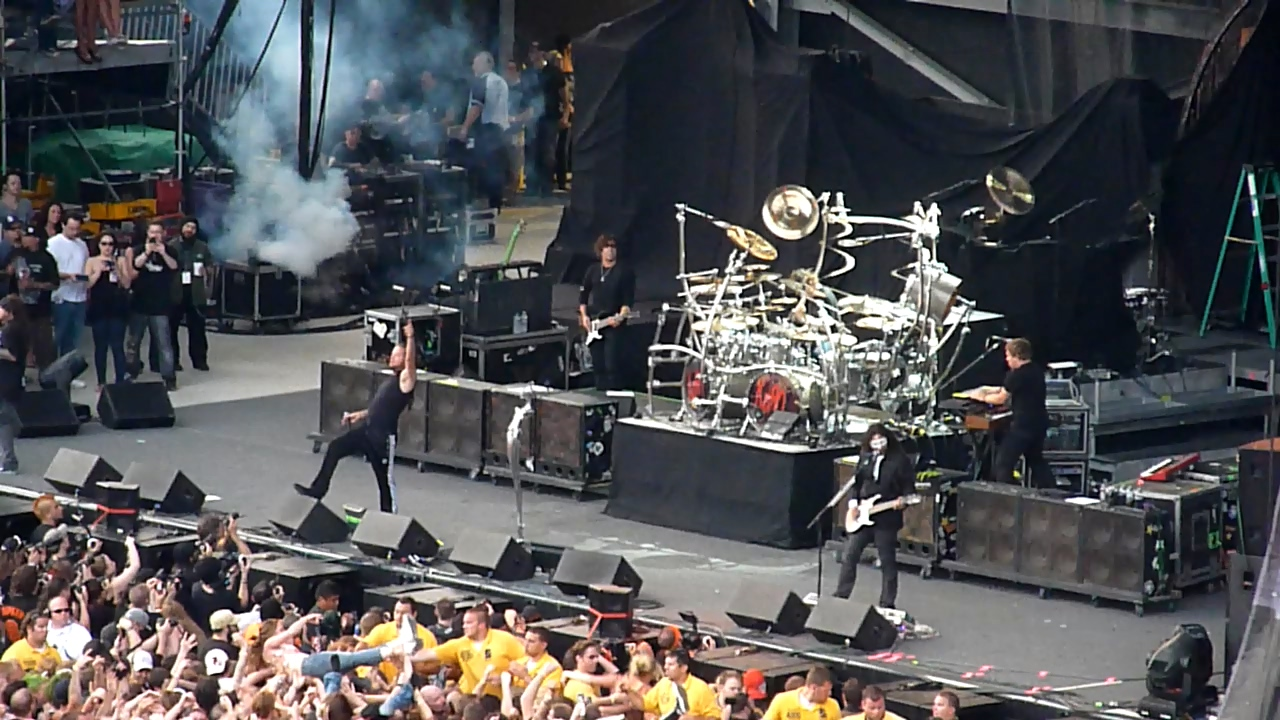 KoRn 2011-05-21 Rock on the Range 2011, Crew Stadium, Columbus, OH, USA (Nameless HD 720)