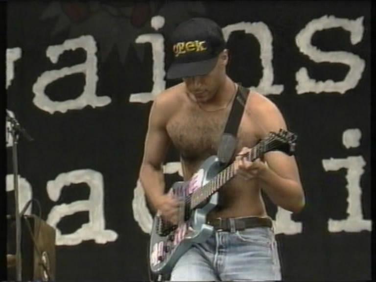 Resultado de imagen de Rage Against The Machine - Killing In The Name - 1993