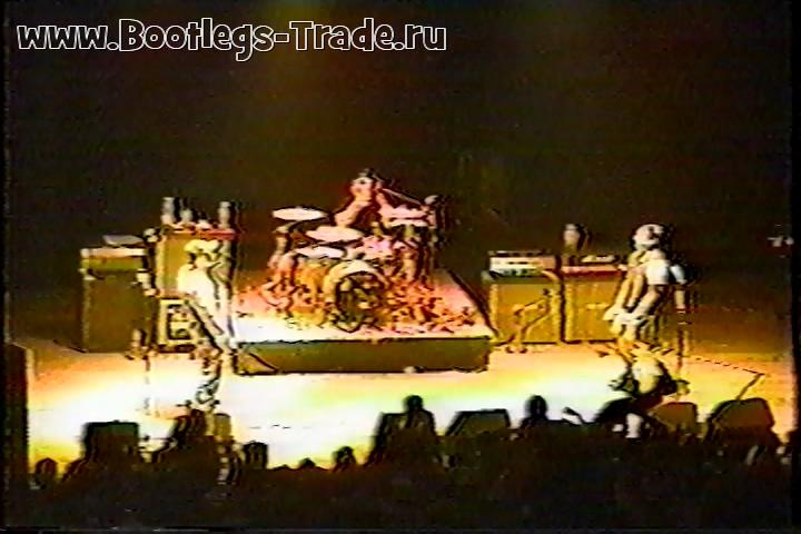 Blink-182 1998-02-23 Liberty Hall, Lawrence, KS, USA