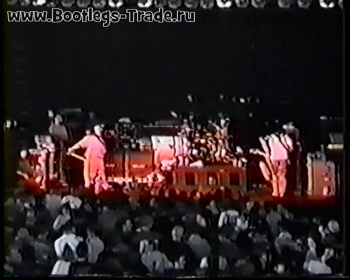 Deftones 1996-07-19 Eagles Ballroom, Milwaukee, WI, USA (Source 2)