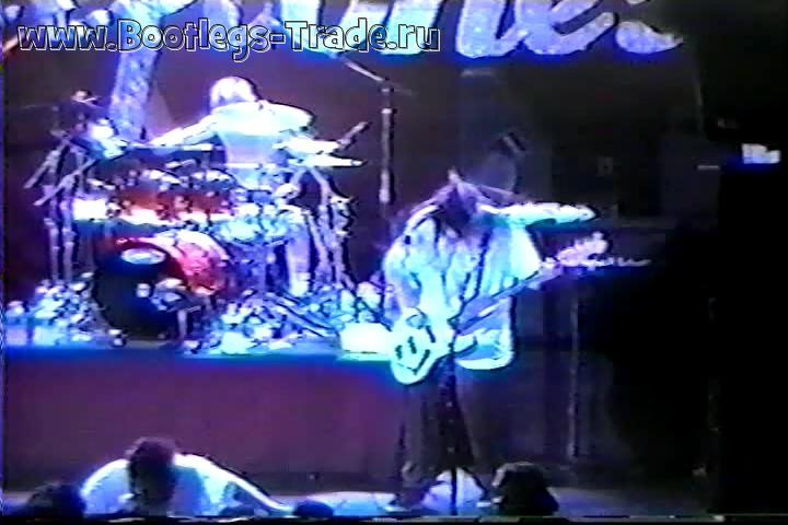 Deftones 1997-11-25 Irving Plaza, New York, NY, USA (2 Cam Mix 2 DVD Version)