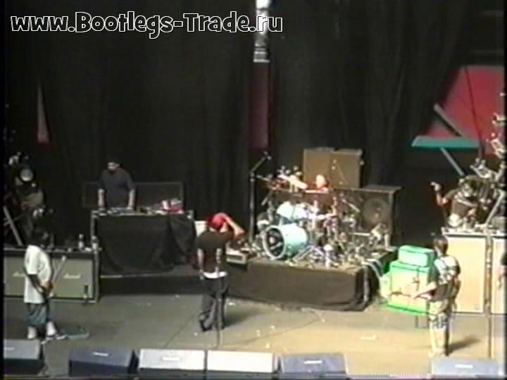 Deftones 2001-01-26 Soundcheck, Estadio Chile, Santiago, Chile