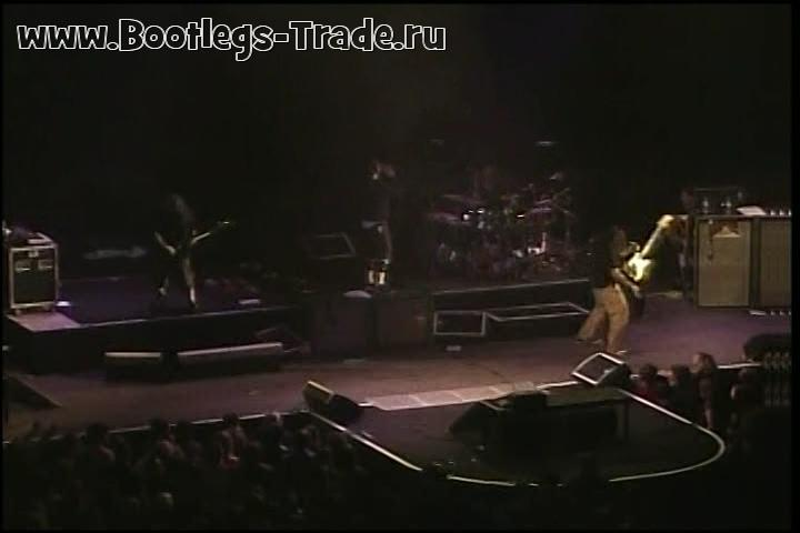 Deftones 2003-12-02 Roy Wilkins Auditorium, St. Paul, MN, USA (Center Cam)