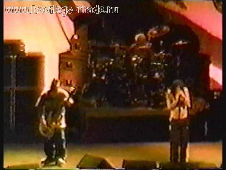 KoRn 1996-01-18 Continental Airlines Arena, East Rutherford, NJ (Center Cam)