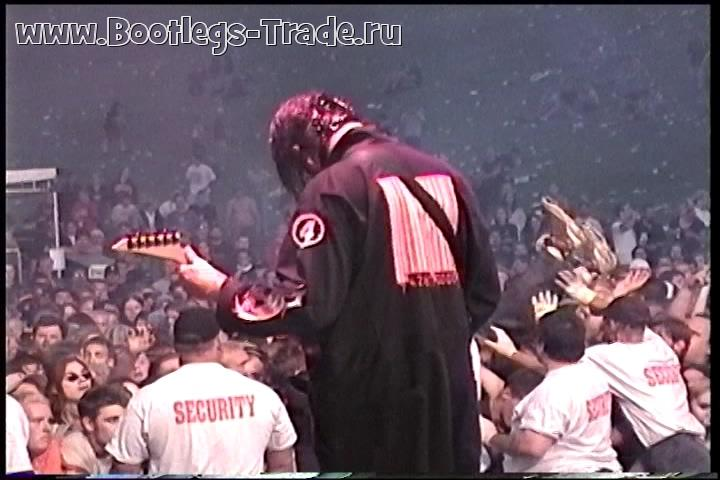 Slipknot 2000-07-28 93x Clambake 2000, Float-Rite Park Amphitheatre, Somerset, WI, USA (3 Cam Mix + SBD)