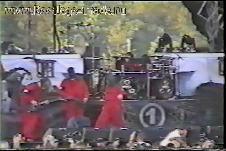 Slipknot 2001-06-16 Float-Rite Park, Somerset, WI, USA