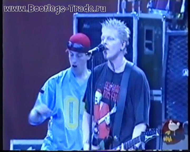 The Offspring 1999-07-23 Woodstock '99, Griffiss Air Force Base, Rome, NY, USA